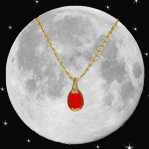 Danity Vintage Red Glass Pendant Necklace